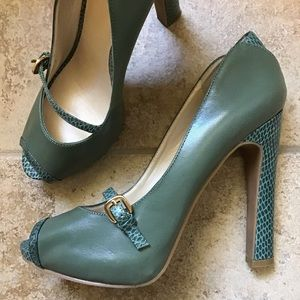 green NINE WEST hope vintage style peeptoe heels 7